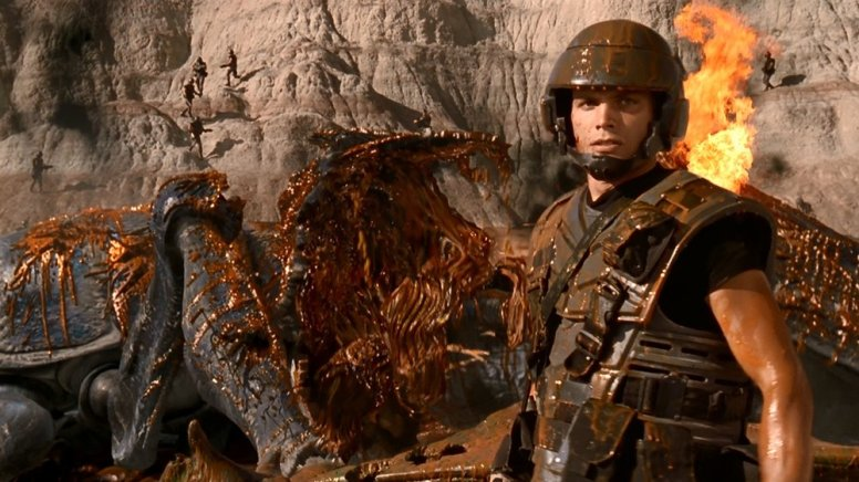 rare-behind-the-scenes-photos-and-making-of-featurette-for-starship-troopers-social