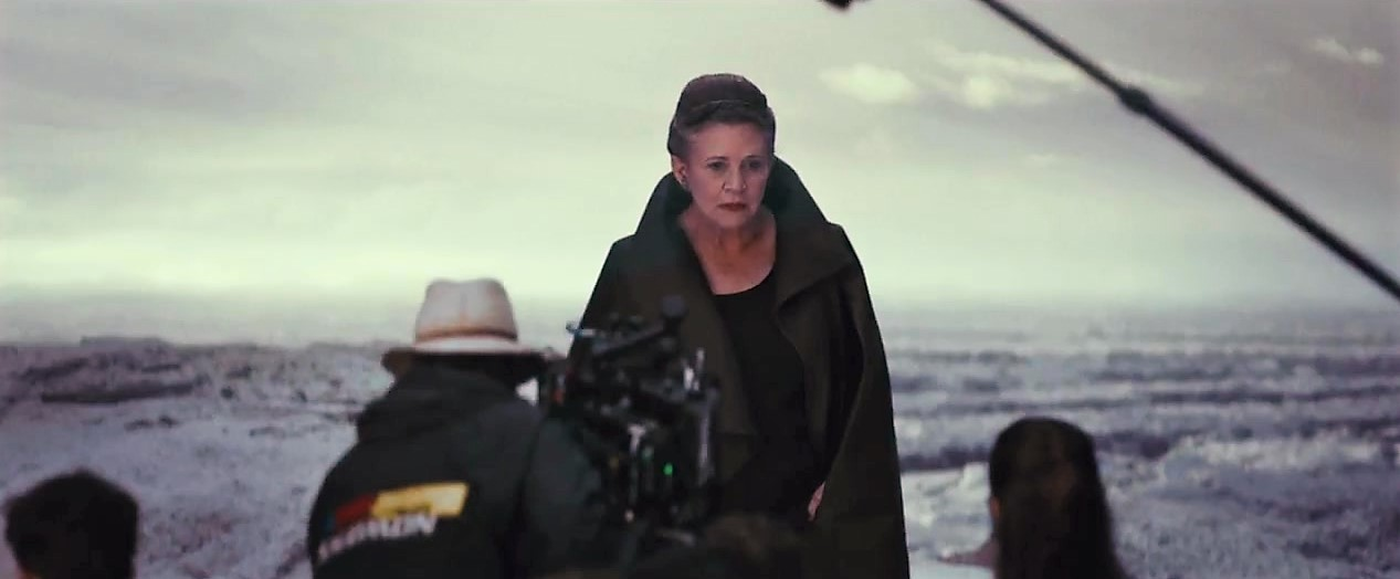 Star-Wars-The-Last-Jedi-Behind-The-Scenes-0975-2